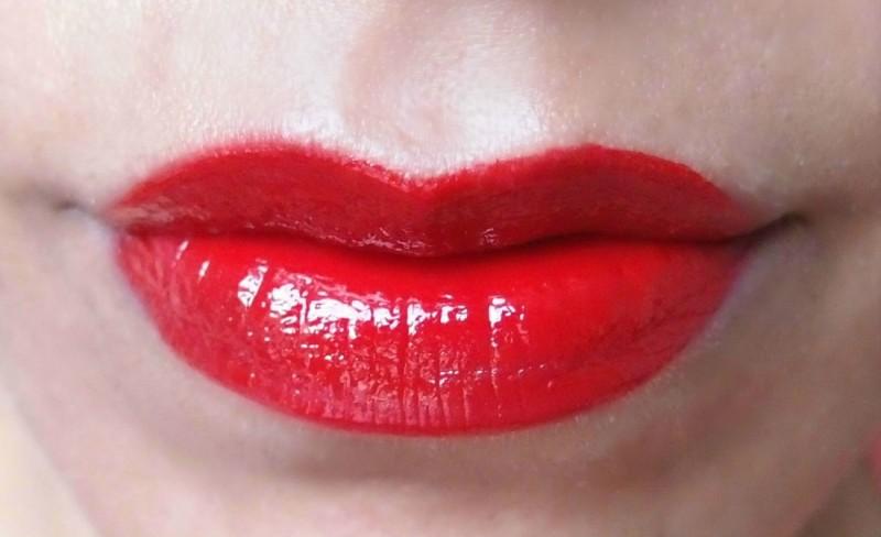 שפתון אדום