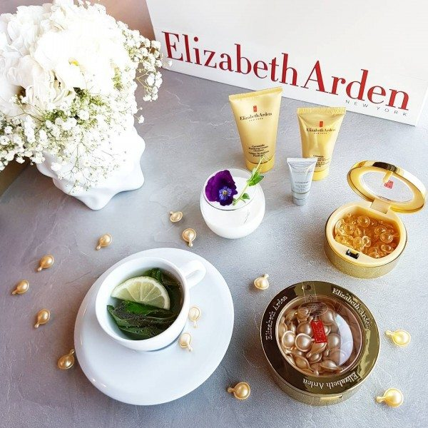Elizabeth Arden at JR Duty free Beauty in a capsule