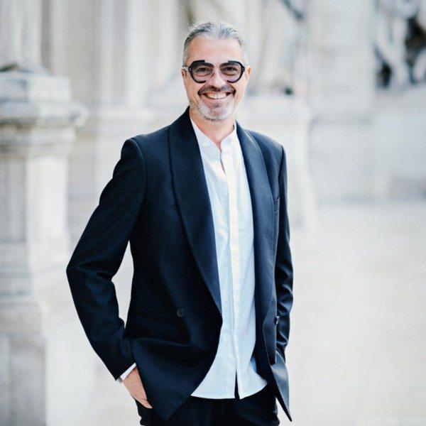 Gérald Ghislain ג'ראלד גיסלין אמן בישום ומייסד המותג Histoires De Parfums