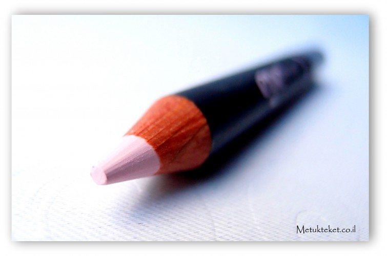 the pretty committee, benefit, eye bright, בנפיט, עפרון גבות, עפרון הארה, עפרון לבן, עפרון מומלץ