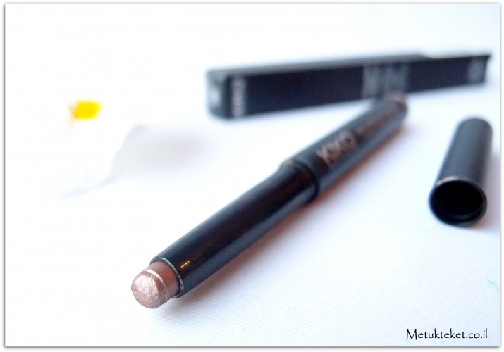 """דיור, כריסטיאן דיור, קוסמטיקה, איפור, אייליינר, שפתון, בורדו, שזיפי, אודם, שפתון חורפי, עפרון עיניים, קיקו, קניות בחו""""ל, שפתון אדום, בלוג איפור,מומלץ, מזכרות, dior, rouge dior, eyeliner, styleliner, , roug, מתוקתקת, dior 874, kiko, eye pencil, tea, blog, darl lips"""