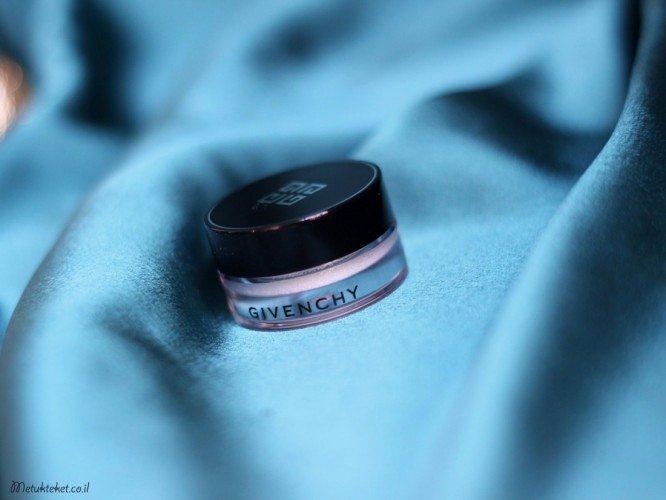 Givenchy 1 Top Coat Blanc Satin, צללית טופ קואט במרקם קרם של ג'יבנשי