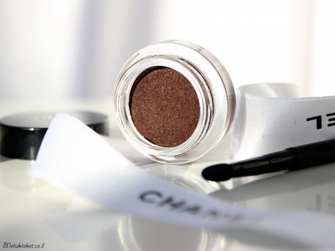 chanel-le-rouge-collection-no-1-8